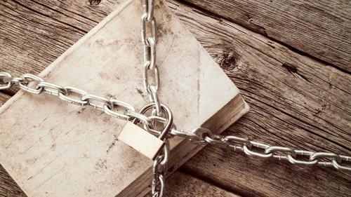 Bukuku Sayang, Bukuku Malang