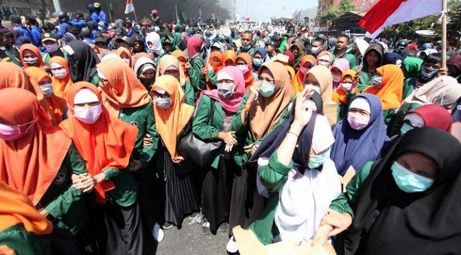 Anak Itu, Telah Ikut Demonstrasi
